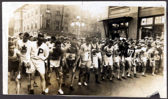 The Herald Road Race on Argyle St. 1900s